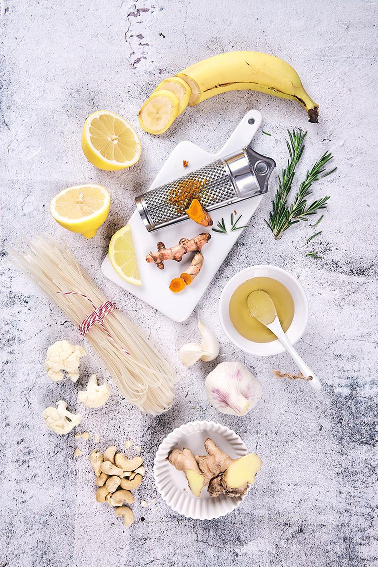 IMG_LivingAtHome+Holly_foodboard_gelb